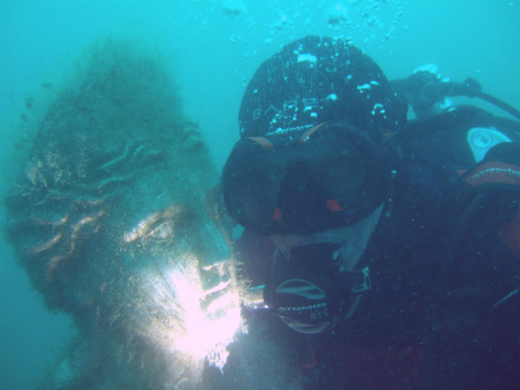 Greek statue at the Portland underwater curiosity park