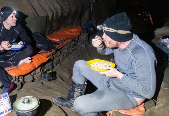 George Linnane in Hard Rock camp, Daren Cilau
