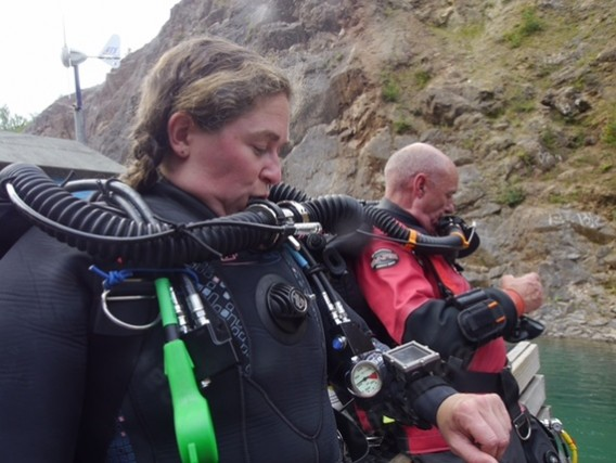 Zoe of DIVER magazine and Pete of Deep Blue Pirates with Hollis Prism 2 rebreather